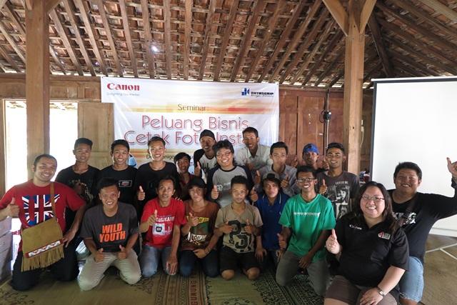 """Seminar """"Peluang Bisnis Cetak Foto Instan"""" di Desa Kanigoro, Kabupaten Gunung Kidul, Jawa Tengah."""